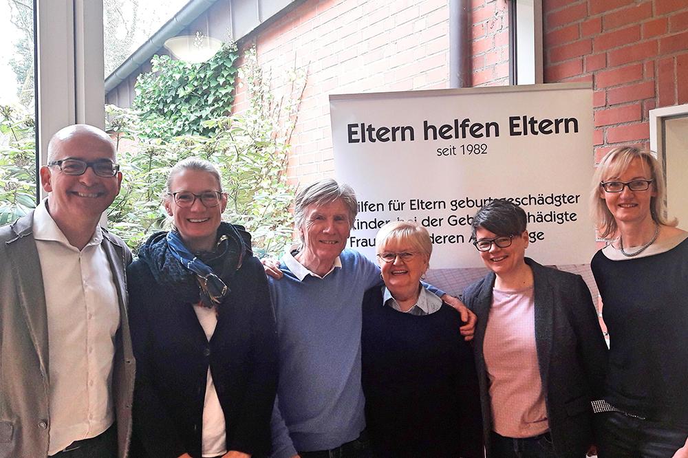 v.l.n.r. Dr. Roland Uphoff (Vorsitzender AKG), Sandra Peters (Kanzlei Uphoff), Gerd Schmidt (stellvertretender Vorsitzender AKG), Marlis Meierling (Leiterin der AKG Geschäftsstelle Dortmund), Caterina Krüger (Kanzlei Uphoff), Petra Marschewski (Kanzlei Uphoff)